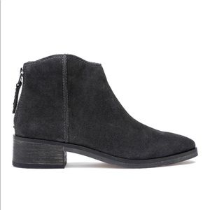 DOLCE VITA gray suede leather Tucker flat boots